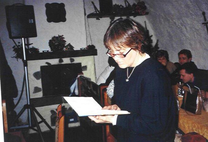 vladena teslíková číta svoju poéziu v dobrej víle